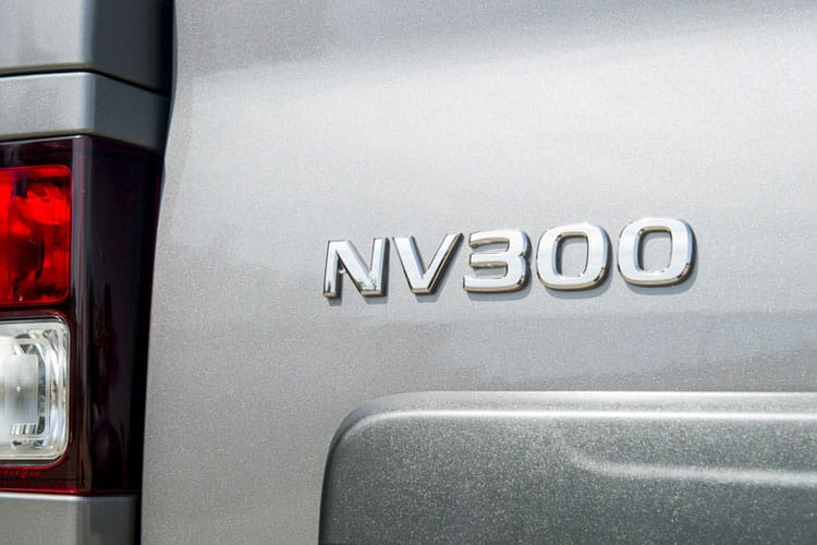 Nissan NV300 L2 30 M1 2.0 dCi FWD 145PS Acenta Combi Manual [Start Stop] detail view