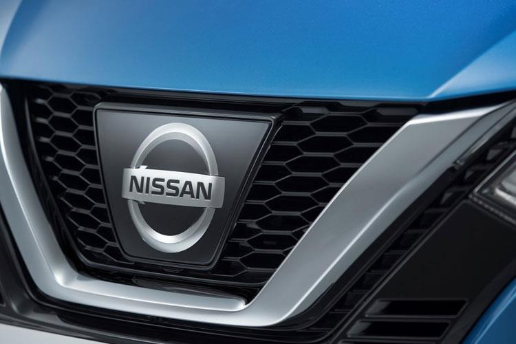 Nissan Qashqai SUV 2wd 1.3 DIG-T 160PS N-Connecta 5Dr Manual [Start Stop] [Pan Roof] detail view