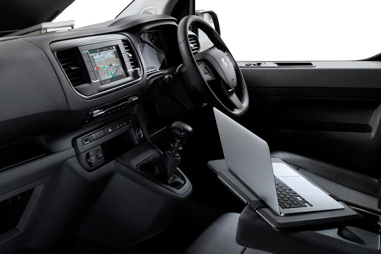 Peugeot Expert Compact 1400Kg 2.0 BlueHDi FWD 120PS Professional Van Manual [Start Stop] inside view