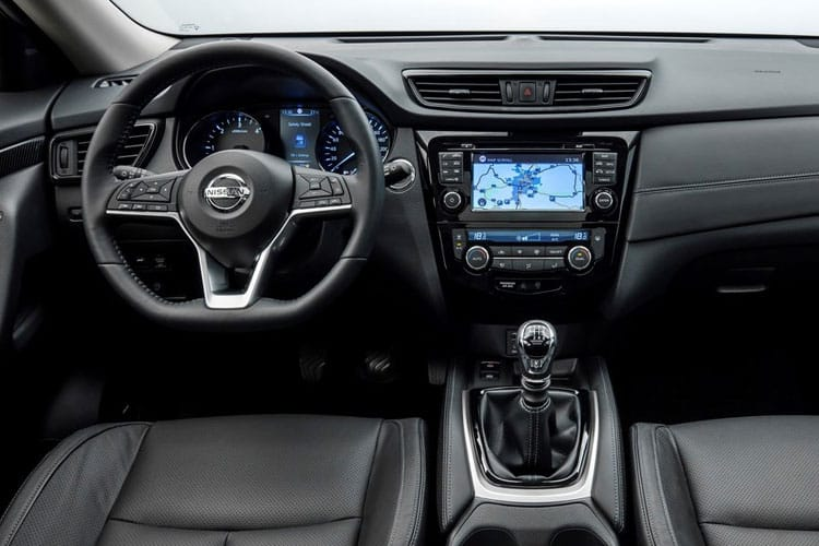 Nissan X-Trail SUV FWD 1.7 dCi 150PS Tekna 5Dr CVT [Start Stop] [5Seat] inside view